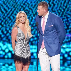 1437013153_britney-spears-espys-article
