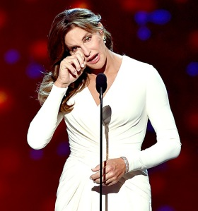 1437017053_caitlyn-jenner-crying-inline