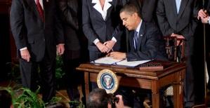 obama-signs1 (1)