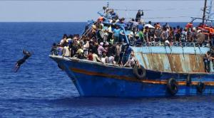 refugee boat_0
