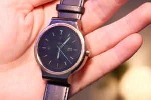 zte-smartwatch-12-970x647-c