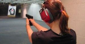 woman-handgun