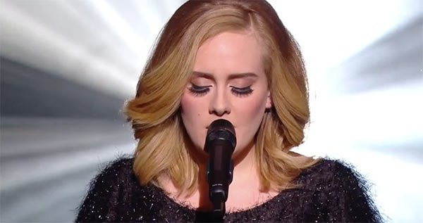 adele-first-live-performance-of-hello-ftr