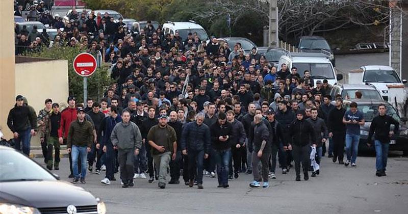 corsica-mob