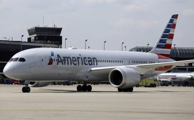 american-airlines-dreamliner-chicago
