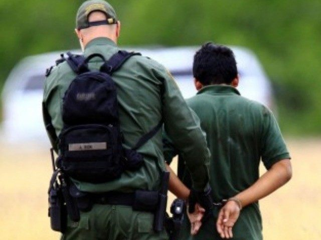Border-Patrol-Agent-with-Alien-640x480